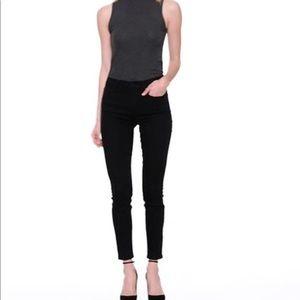 Gap NWT Black Skinny Jeans 26L